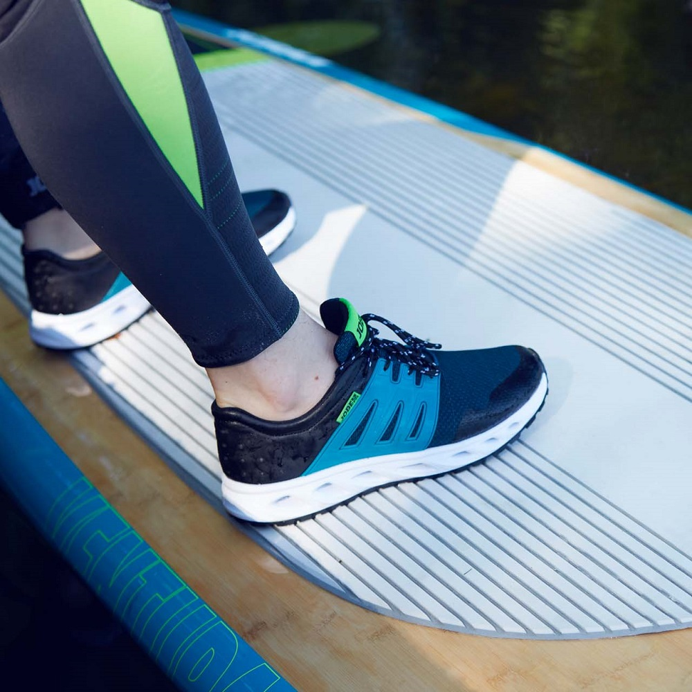 a5746161357a Anti-Slip Shoes Jobe Discover Sneaker - inSPORTline