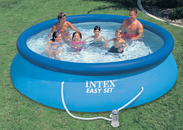 Inflatable pool with cartouche filtration cover and instructional dvd